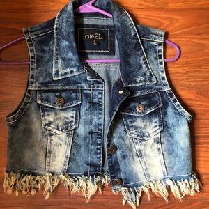 Juniors Acid Wash Crop Jean Vest/ Jacket